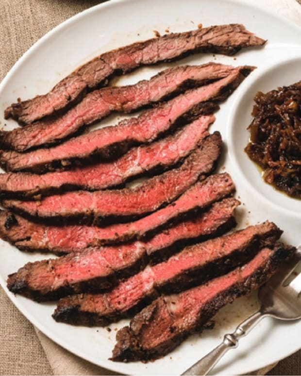 Garlic-Marinated Steak with Onion Jam