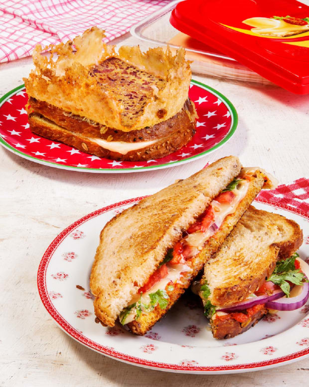 Crown Grilled Cheese Toast