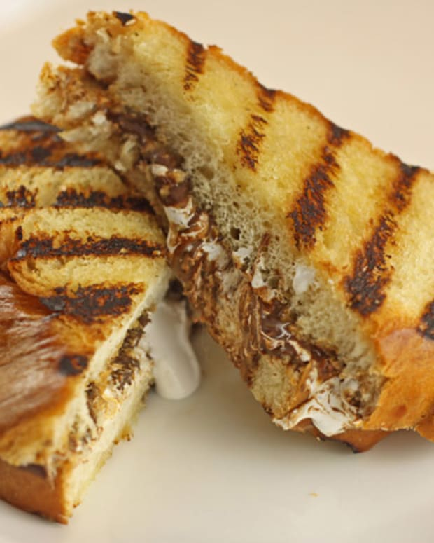 grilled smore sandwich