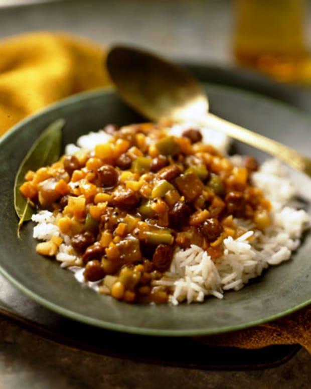 Spicy Vegetable Stew with California Raisins (Sambhar)