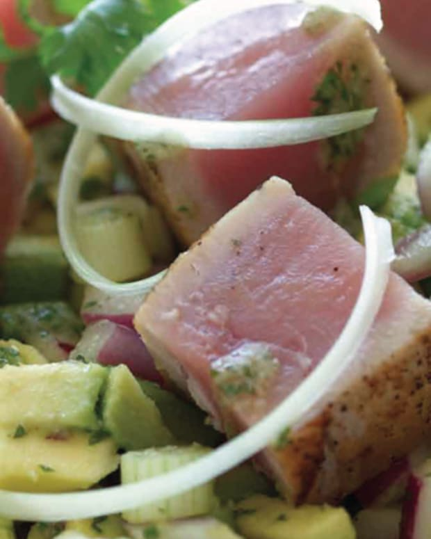 avocado-and-seared-tuna-steak-salad-68