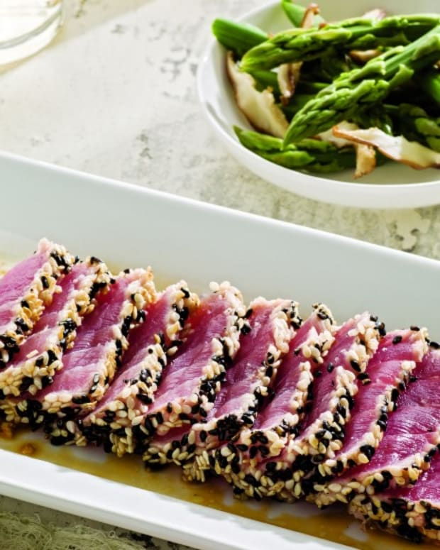 Sesame Tuna with Ginger-Miso Dip