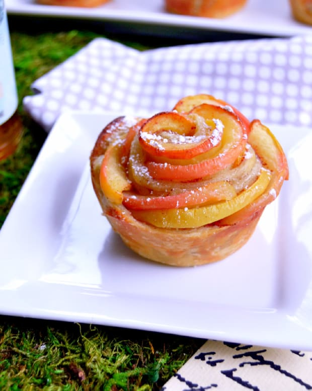 Savannah Honey and Apple Rosettes 8.jpg