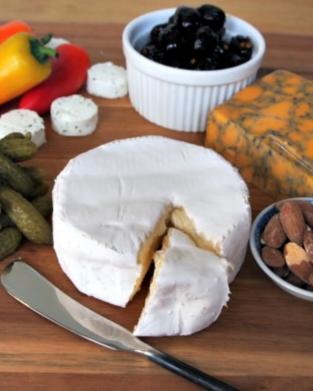 appetizer cheese plate