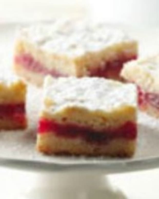 Hungarian Shortbread with Cranberry Jam