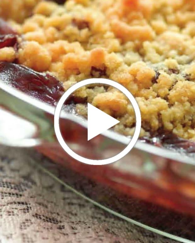 Cranberry Apple Crunch Kugel Video