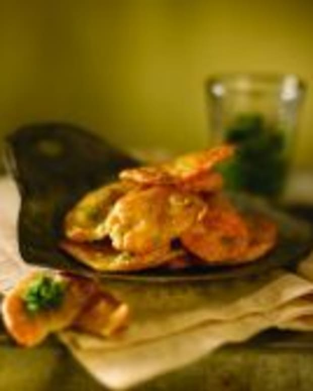 Spicy Idaho® Potato Fritters with Green Chutney