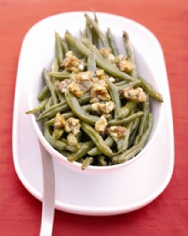 Roasted Green Beans with Almond Brittle