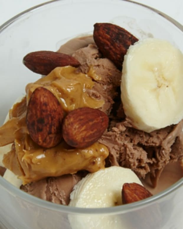 Cocoa Banana Nut Frozen Yogurt