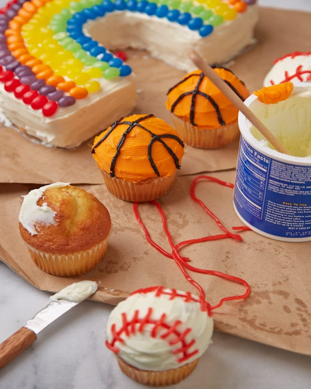 Baseball & Basketball Cupcakes Pg 47.jpg