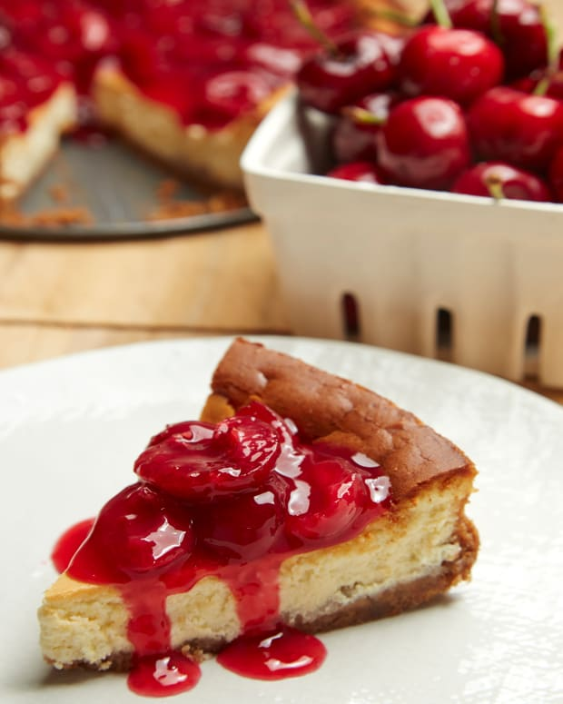 CHERRY MASCARPONE CHEESECAKE