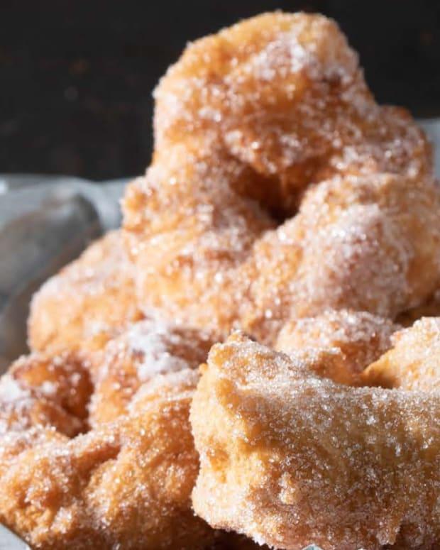 Sfenj doughnuts