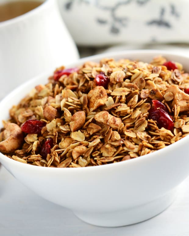cranberry maple granola from the slow cooker