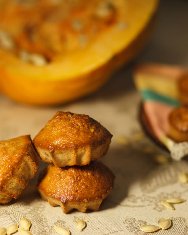 healthy and delicious pumpkin muffins