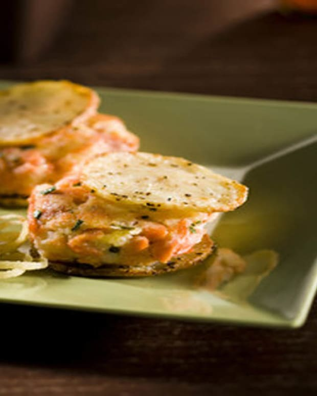salmon potato burger3.jpg