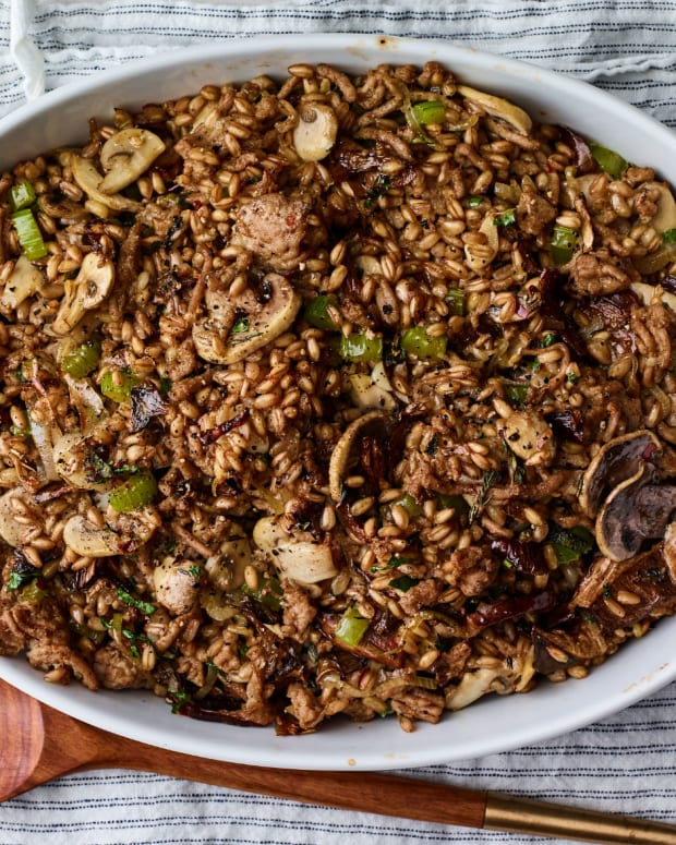 Rich Turkey-Mushroom Stuffing