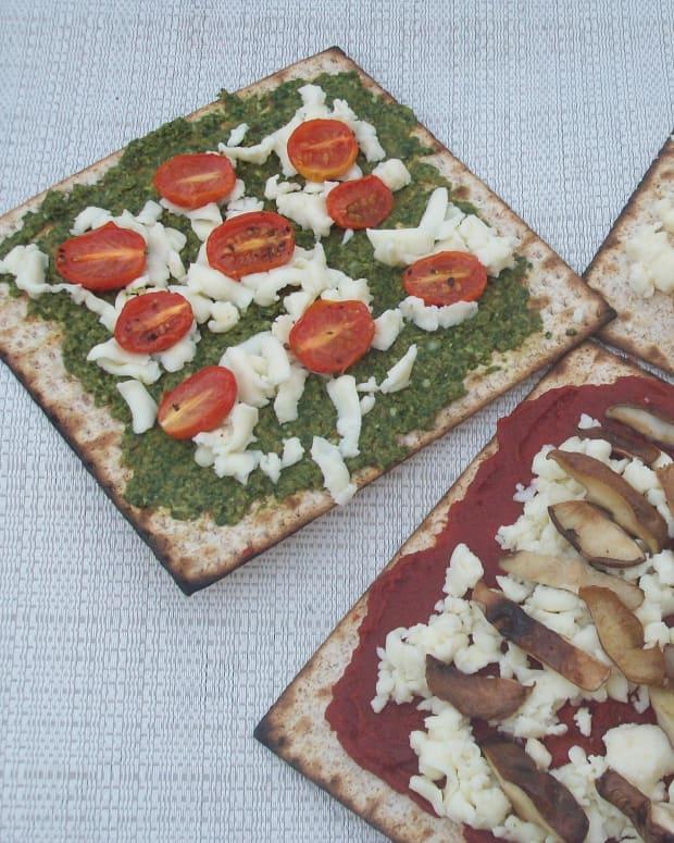 Margherita Matzo Pizza