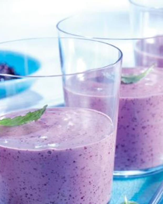 wild-blueberry-smoothie