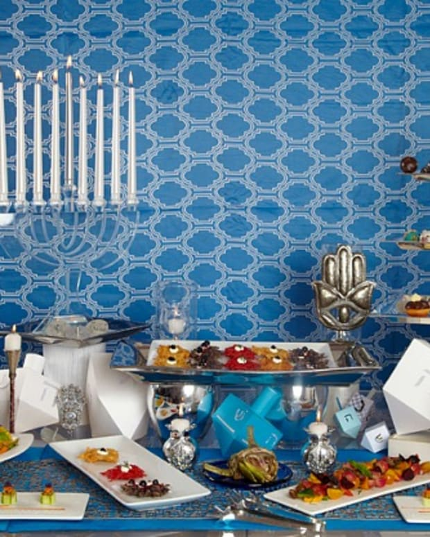 Hanukkah Table and Recipes