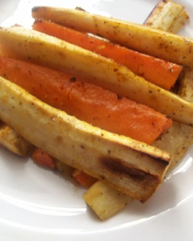 Parsnip and Carrot Curried Chips