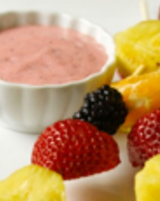 Fruit Skewers With Yogurt Dip