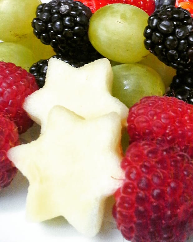 Mini Star of David Fruit Skewers with Vanilla Cashew Cream