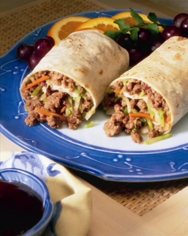 Asian_Beef_&_Broccoli_Slaw_Wraps