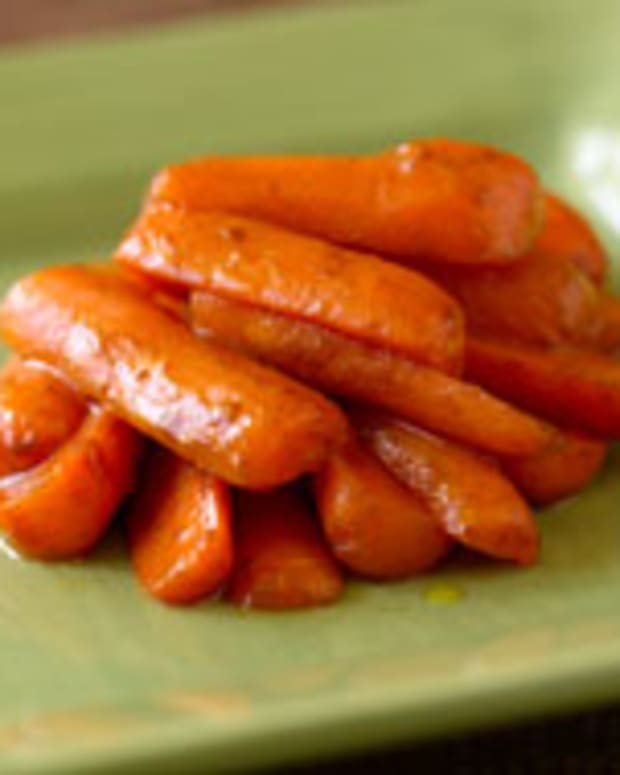 Cinnamon-Glazed Baby Carrot