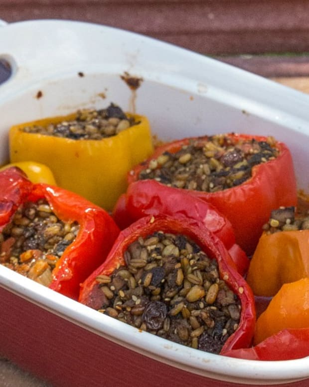 freekah stuffed red peppers