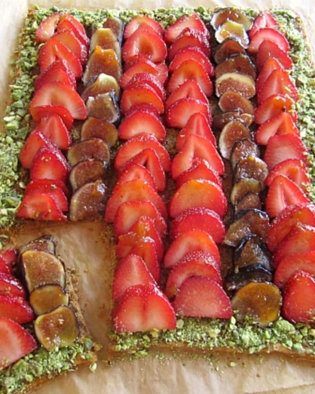 Strawberry Fig Pistachio Tart