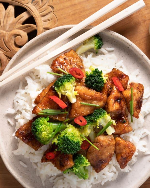 General Tso Chicken Dinner