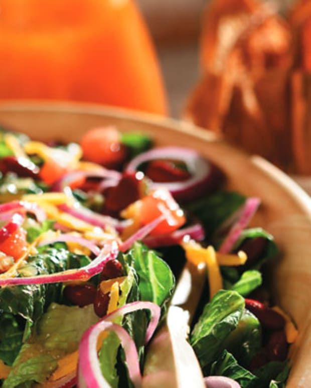 Taco Salad With Homemade Pita Wedges