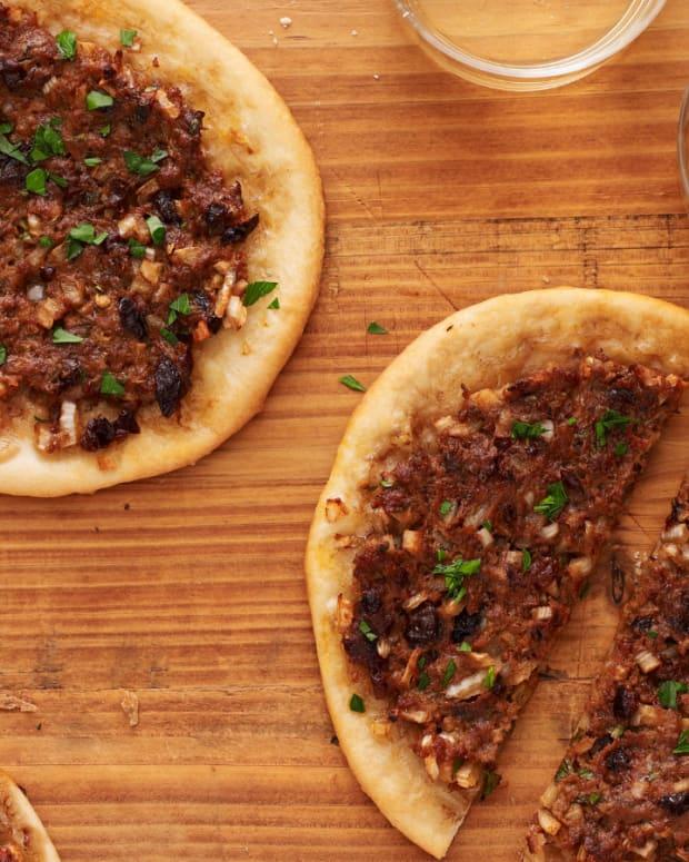 morroccan meat pizza
