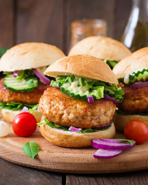 asian style turkey burgers with pickled cucumbers