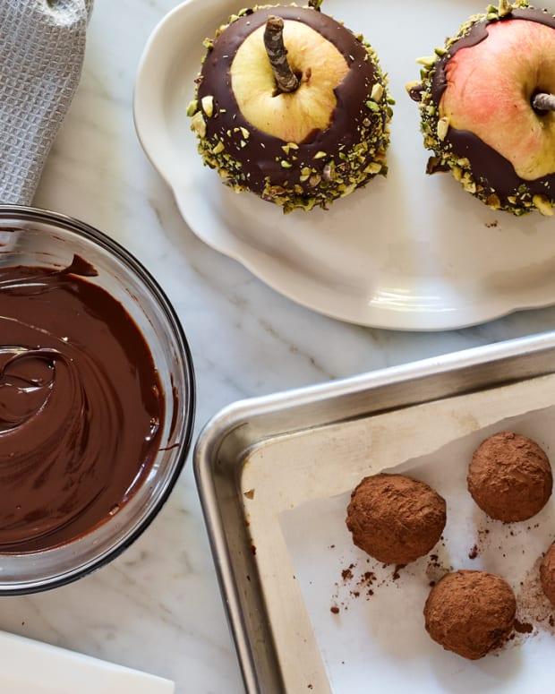 Chocolate-Honey Ganache Glaze