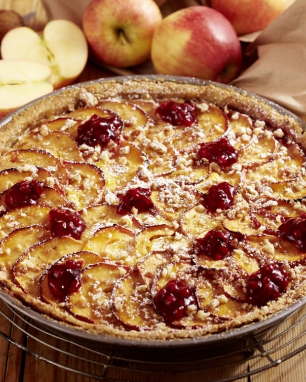 apple cranberry upsidedown tart
