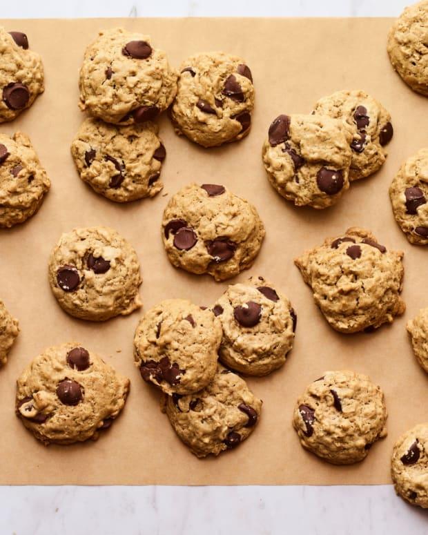 Salty Sesame Dark Chocolate Chip Cookies