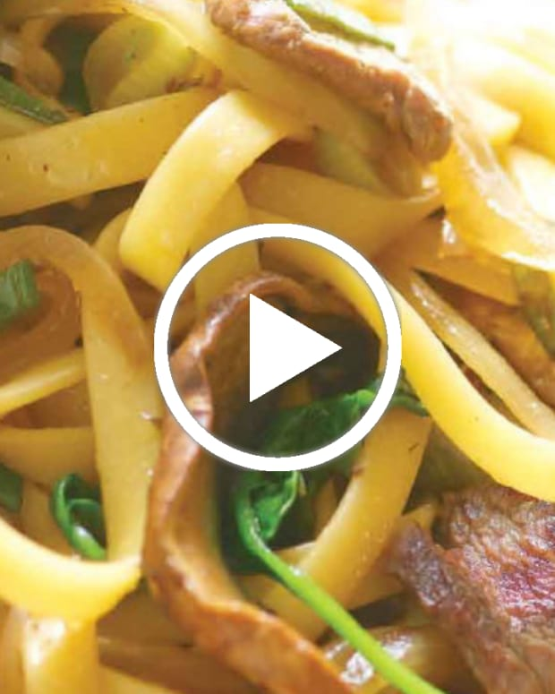 Beef Sukiyaki with Noodles video