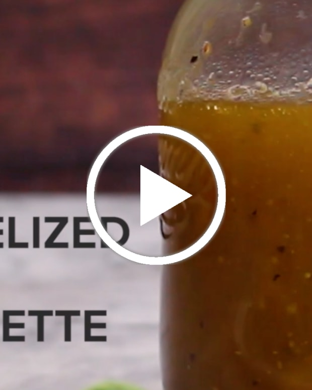 CARAMELIZED APPLE VINAIGRETTE