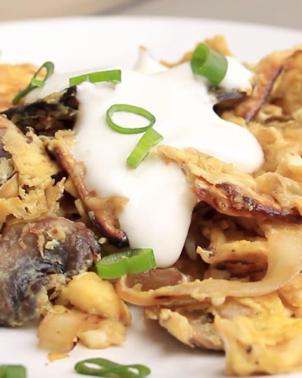Mushroom and Onion Matzo Brei