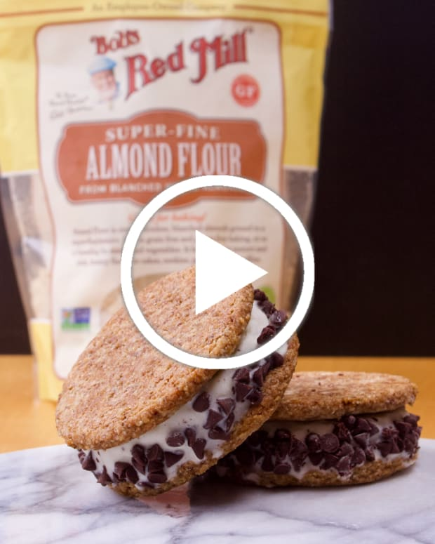 Non Diary Gluten Free Ice Cream Sandwiches Featured