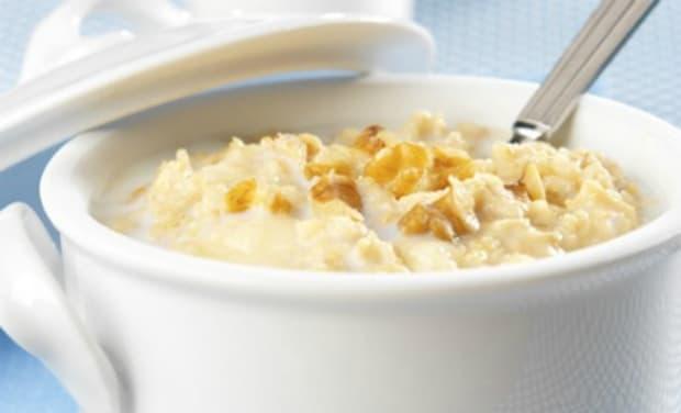 Creamy Banana Walnut Oatmeal