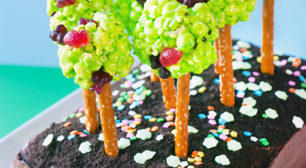 2012-04-17-earth-day-cake-586x322
