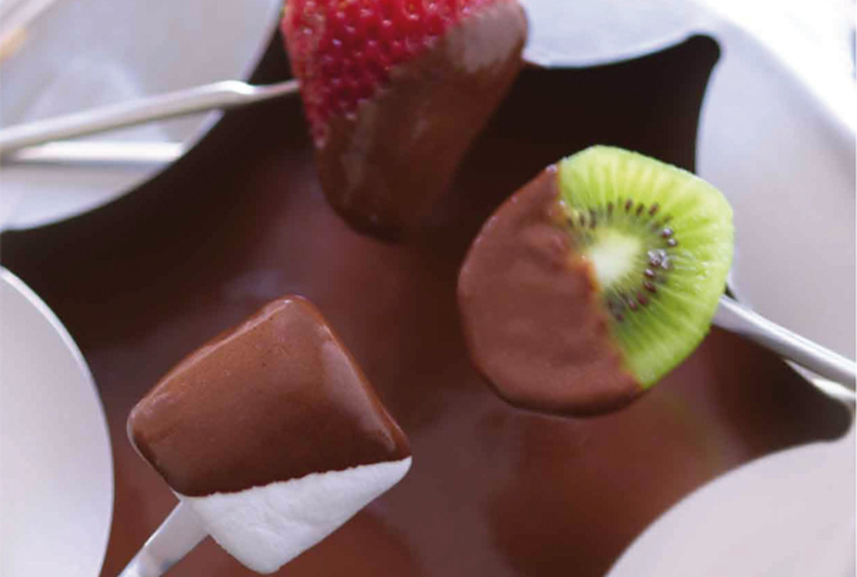 homemade-chocolate-fondue-218