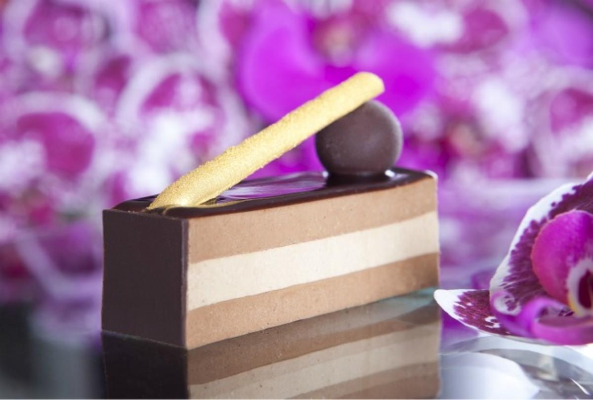 layered cream dessert