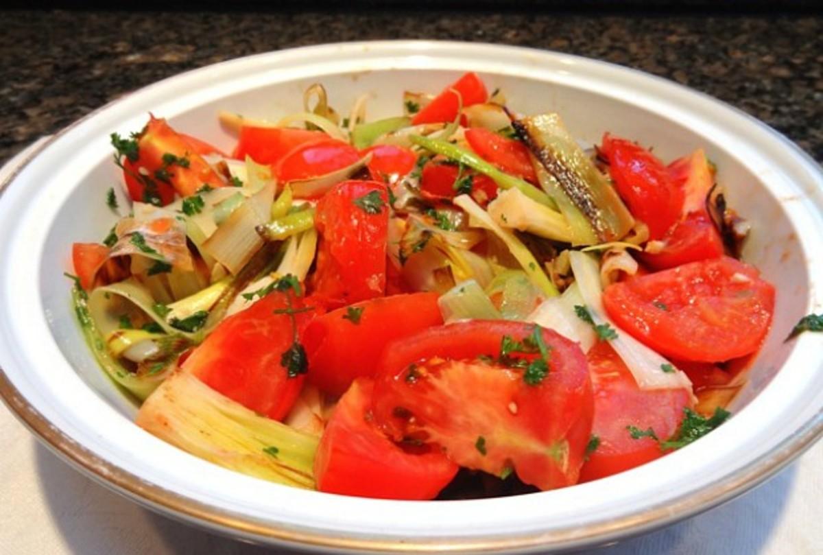 braised leeks and tomatoes