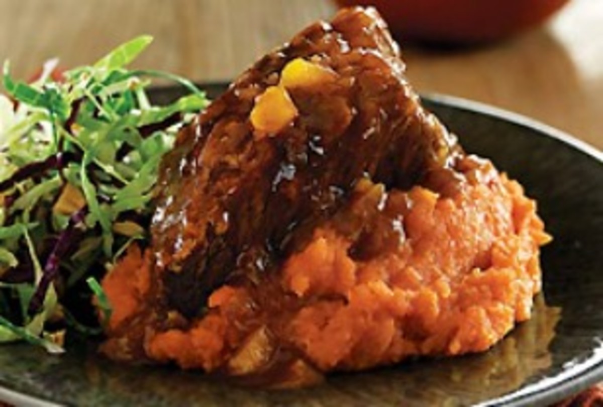 Slow Cooker Beef Short Ribs with Ginger-Mango Barbeque Sauce
