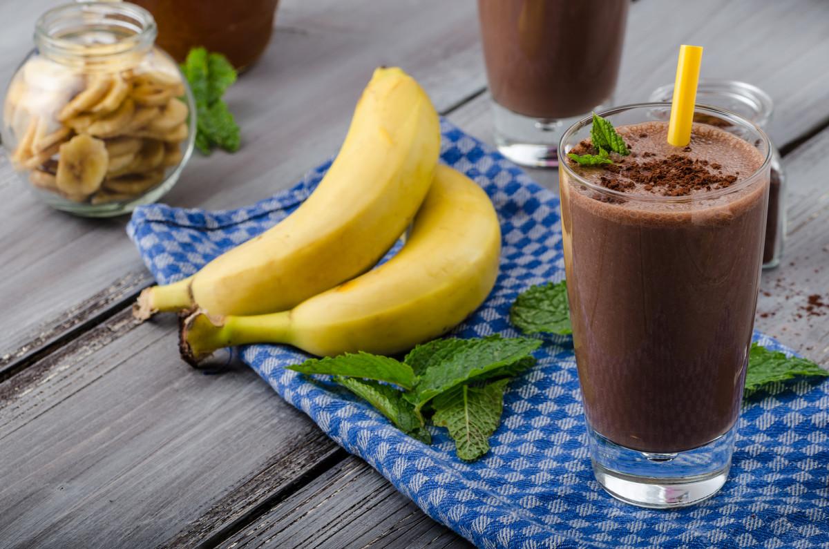 chocolate banana smoothie.jpg