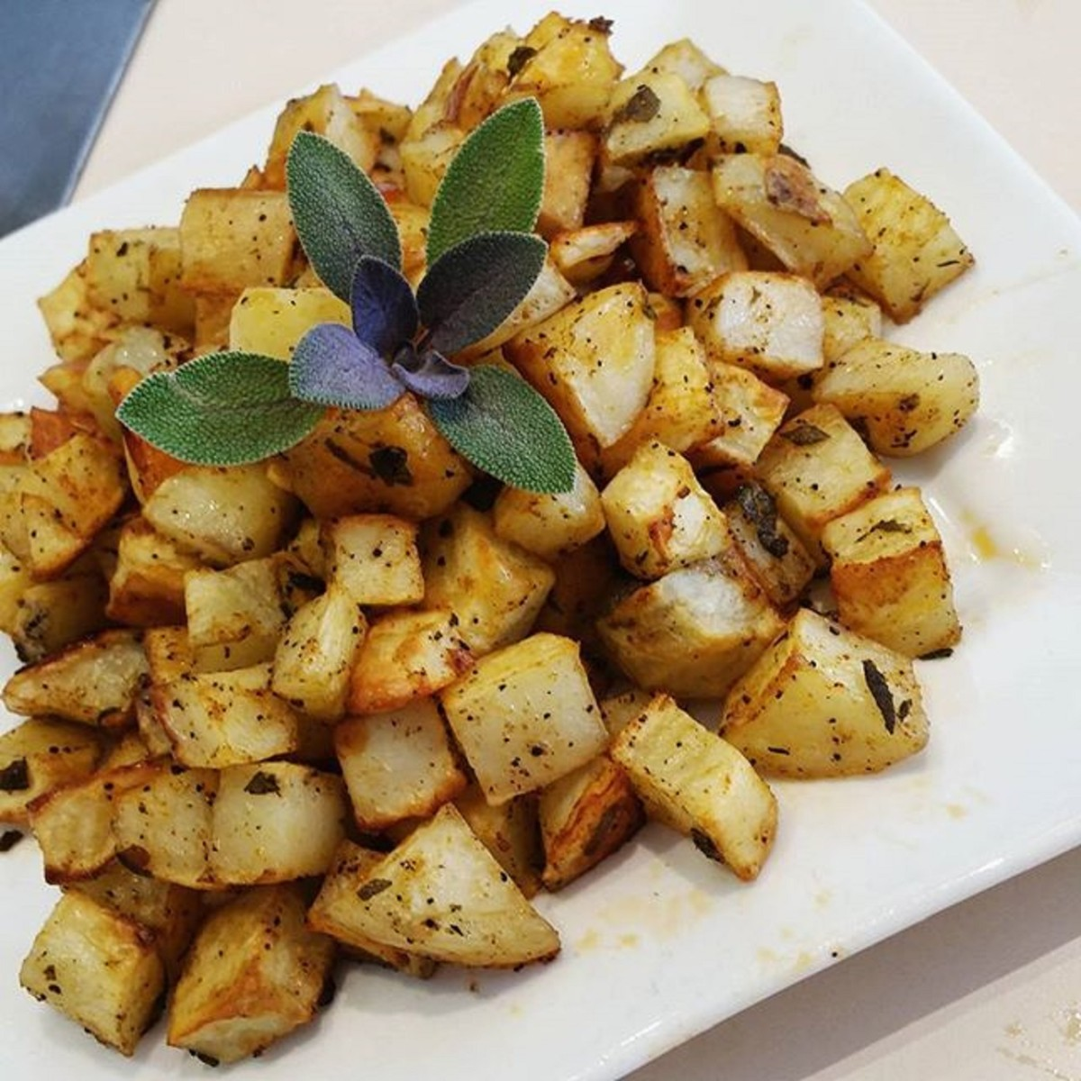 HERBED POTATO HASH