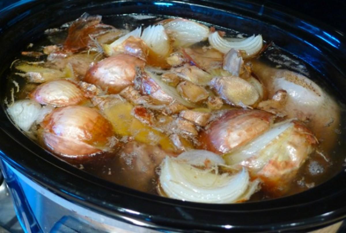 slow-cooker-chicken-stock
